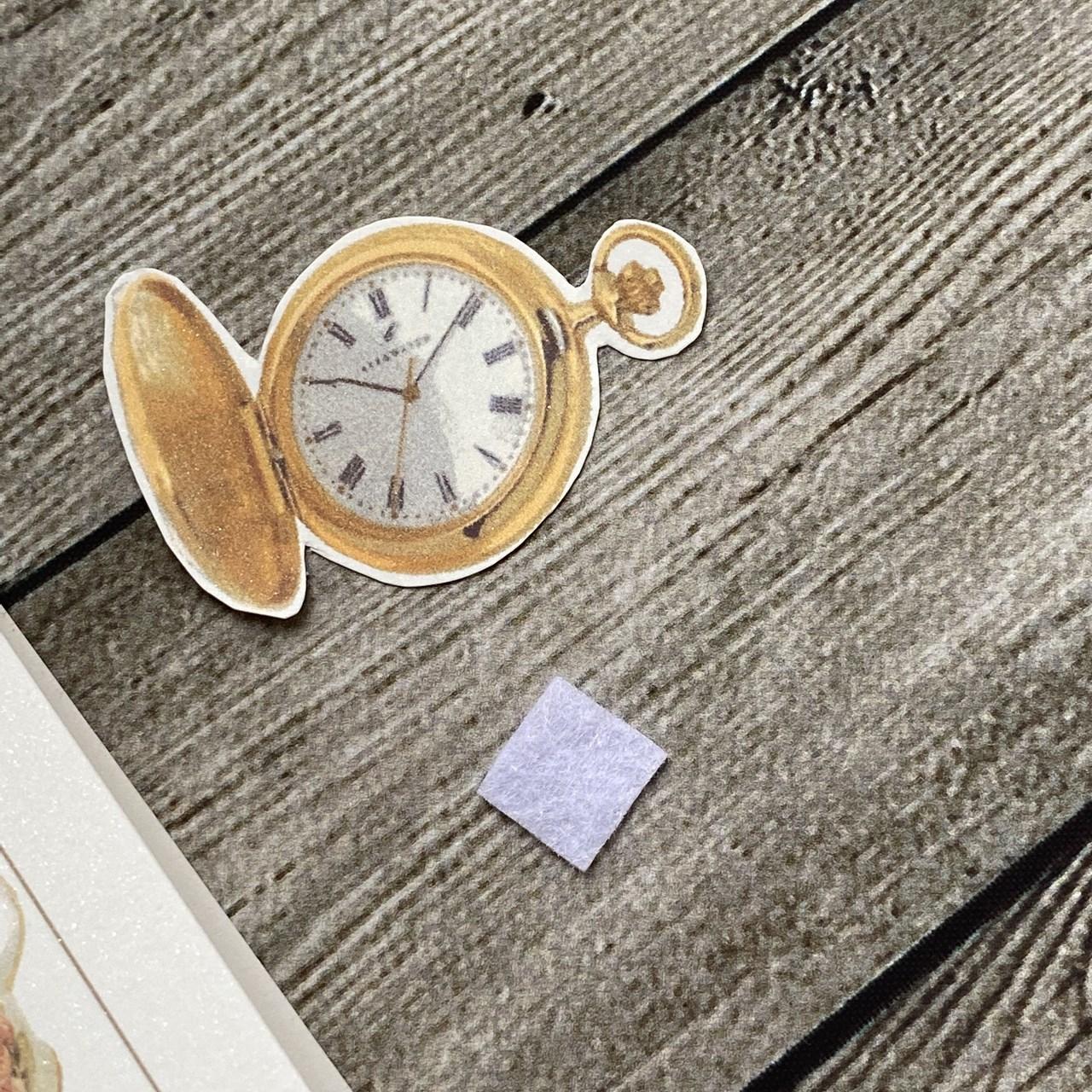 時計を立体的にするためのフェルト